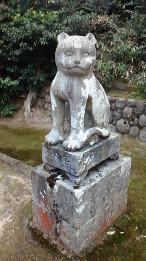 猫の狛犬!